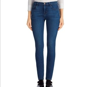 J Brand Mid Rise Skinny Jeans in Connection SZ 28